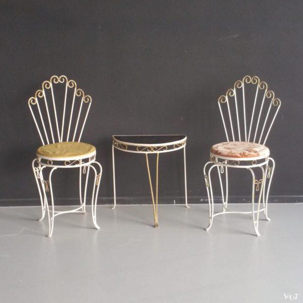 Jaren '50 smeedijzeren set van 2 stoelen met tafeltje