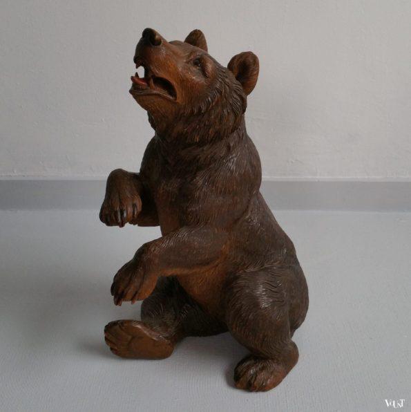 Handgestoken houten beer uit Brienz, Zwitserland, jaren '30