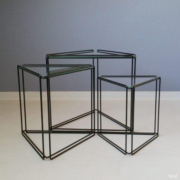 Set van 3 driehoekige Isocele bijzettafeltjes van Max Sauze, jaren '70