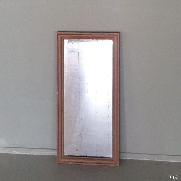 Antieke verweerde spiegel