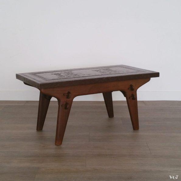Salontafel hout en leer, Angel Pazmino voor Meubles de Estilo, jaren '60