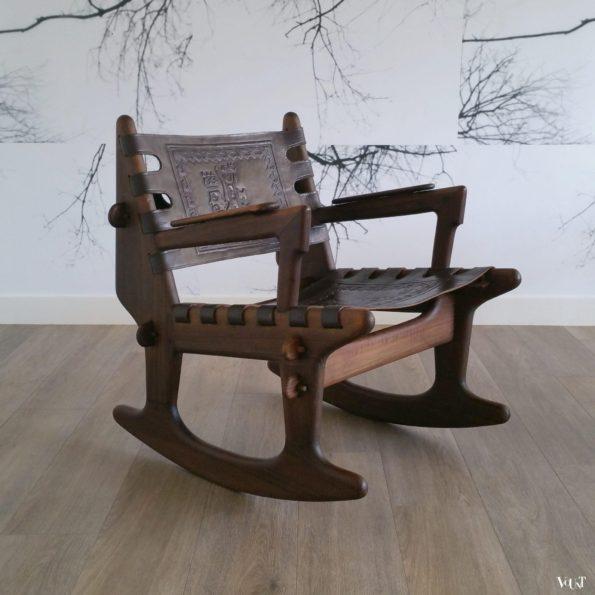 Schommelstoel hout en leer, Angel Pazmino voor Meubles de Estilo, jaren '60