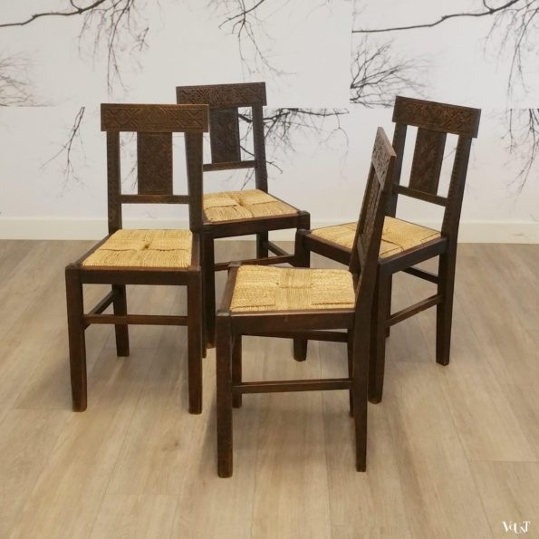 4 bewerkte houten stoelen met touw (Moorse stijl), 1e helft 20e eeuw