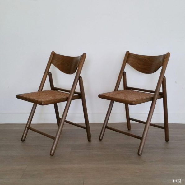 Set van 2 houten klapstoelen met rotan webbing, jaren '70