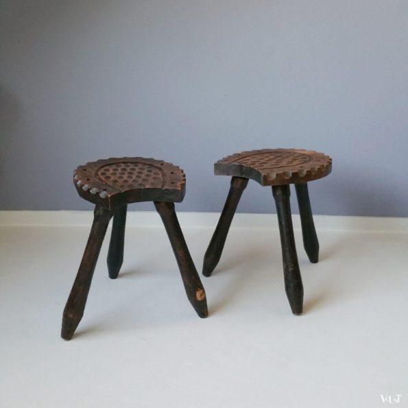 Set van 2 Spaanse houten hoefijzerkrukjes, jaren '60