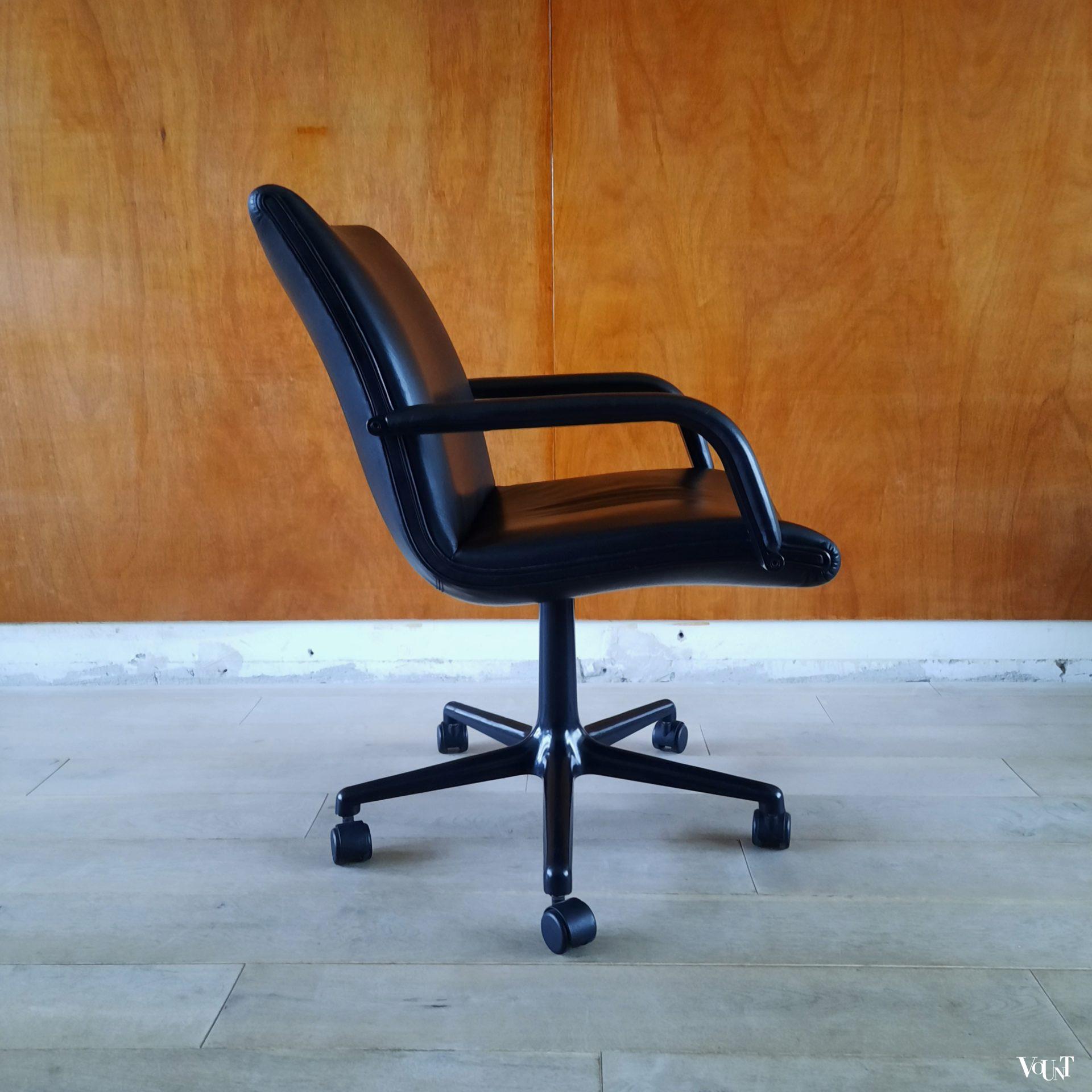 Artifort Bureaustoel Vintage.Vintage Zwartleren Bureaustoel Geoffrey Harcourt Voor Artifort