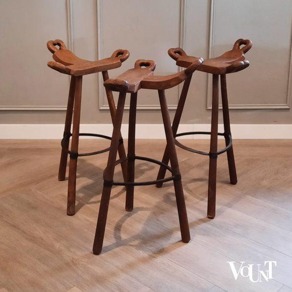 Set van 3 houten Spaanse barkrukken, jaren '60