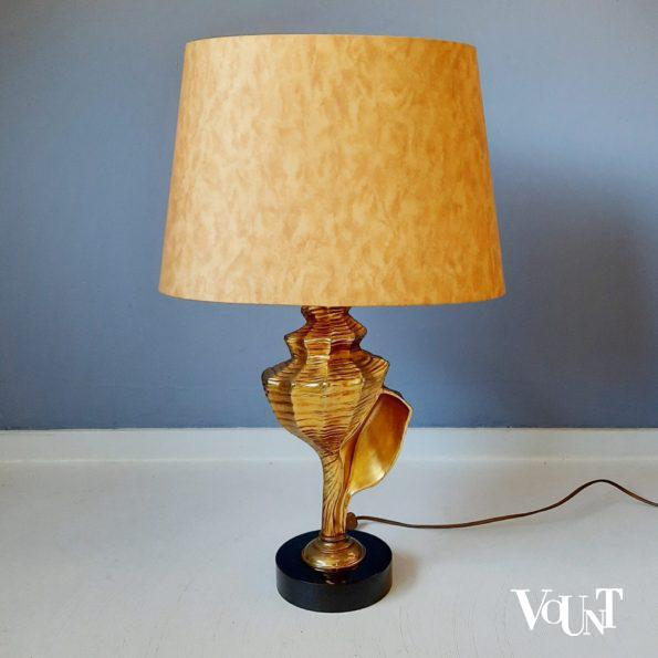 Tafellamp met messing hoornschelp, jaren '70