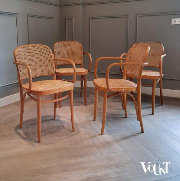 Set van 4 Praag of 811 stoelen, Romania, jaren '60