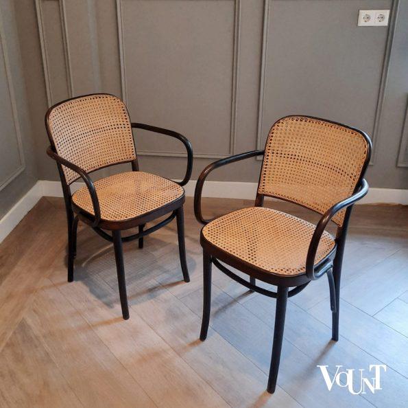 Set van 2 zwarte Praag of 811 stoelen, FMG, jaren '60